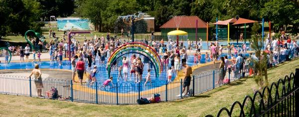 4. Maldon Promendae splash park