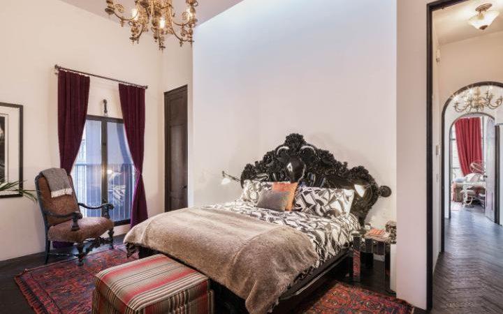 Taylor_Swift,_23_Cornellia_Street_Bedroom_2-large_trans++ZgEkZX3M936N5BQK4Va8RWtT0gK_6EfZT336f62EI5U