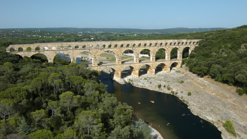 Top 10 Most Amazing Bridges in The World | Estate Agents ... Pont Du Gard Top