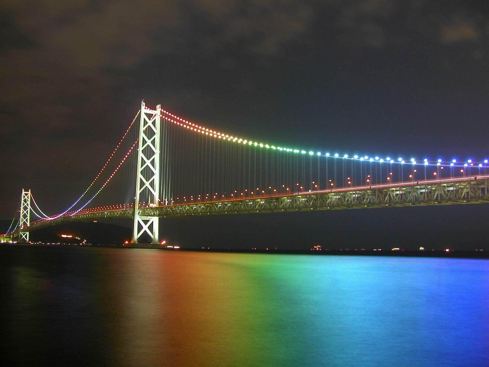 7000892-akashi-kaikyo-bridge-japan